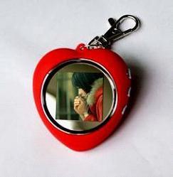 China Support JPG,  BMP 1.5 inch Mini Digital Photo Album with clock Keychain on sale