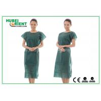 China Nonwoven Hospital Isolation Gowns / PP Nursing Hospital Gown For Women , CE Standard on sale