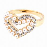 China Fashion Heart Ring with Pearl and Diamond, Hot Selling on sale