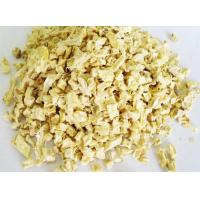 China Food Grade Spicy Dehydrated Ginger Granules Mild Pungent 8mm - 16mm SDV-GING on sale
