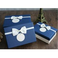 Durable Silk Belt Custom Gift Packaging Boxes Blue And White Paperboard Manufactures