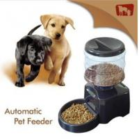 China 2013 New plastic auto pet feeder on sale