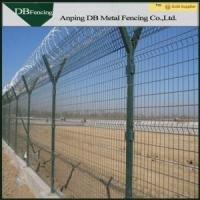 Low Carbon Steel Wire Welded Metal Fence Panels Corrosion Resistance Anti - Aging Manufactures