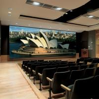 HighDefinition Motorised Projector Screen For Conference Rooms / Home Theater Manufactures