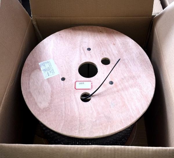 Quality GJYFXCH-1B FTTH Indoor Fiber Optic Cable LSZH Sheath 2000m Wooden Drum for sale