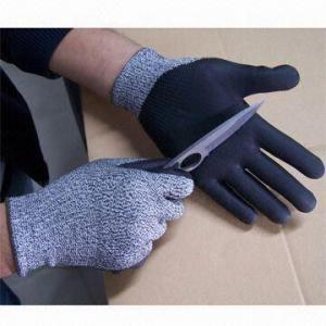 Water Based PU Dyneema/DMF Free/Cut-Resistant Gloves, Suitable for Food Handling Manufactures