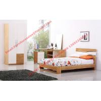 Modern Children bedroom furniture by KD structure Bed in white painting and Olive wood Manufactures