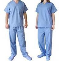 Convenient SBPP Non - Woven Disposable Scrub Suits 3 - Layer Fluid - Resistant Manufactures