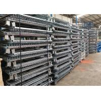 Standard Size Wire Mesh Cages , Warehouse Metal Wire Storage Cages Container