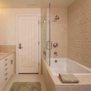PVC MDF Interior Wood Composite Door Natural Wood Veneer Right / Left Opening Direction Manufactures