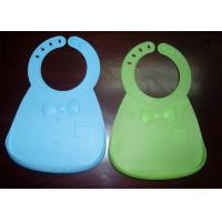 China Flexible Food Grade Silicone Waterproof Baby Bibs With Unique Food Catcher on sale