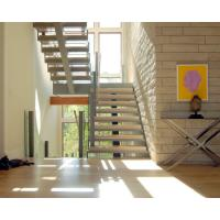 Center stringer U-shape staircase straight staircase with wooden tread Manufactures