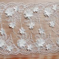 Beautiful White 3D Flower Lace Fabric , Double Edge Alencon Beaded Lace Fabric Manufactures