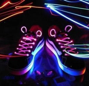 China 2012 newest led shoe lace light on sale