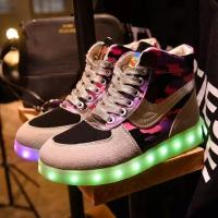 China Fashional LED Light Up Sneakers App Control Self - Editing Words Non - Slip on sale