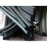 China Automotive Windscreen EPDM Rubber Extrusion Seal Anti-Ultraviolet Radiation on sale