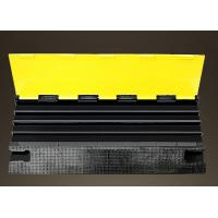 Outdoor Removable Speed Bumps 4 Channels With PVC Flap Yellow Safety Lid Manufactures