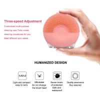 China Mini Silicone Facial Cleansing Brush Applying Ultrasonic Cleaning Technology on sale