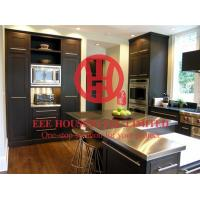 China Fashion Shaker-style Solid Wood Kitchen Cabinet with Excellent Design and Quality on sale