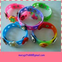 Soft Pvc 3D Logo bracelets with charms and hole pvc wristband Manufactures