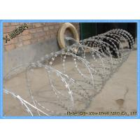 Hot Dipped Galvanized Concertina Razor Barbed Wire 15 Meter Length Manufactures