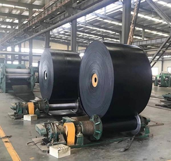 Quality Industrial Fire Resistant Conveyor Belt , Black Color Reinforced Rubber Belting for sale