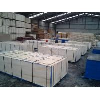 WBP Phenolic film faced shutteringd plywood for concrete wall forms , Wear and weather resistant Manufactures