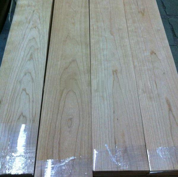 Quality Quarter Cut Cherry Wood Floor Veneer Sheets Fine Straight Crown Grain for sale