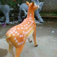 customize size animal fiberglass statue large milu deer model as decoration statue in garden /square / shop/ mall Manufactures