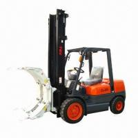 Forklift with paper roll clamp Manufactures