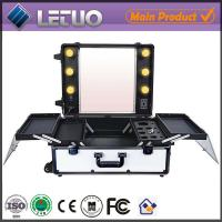 China LT-MCL0029 online shopping rolling makeup case with lights vanity case on sale