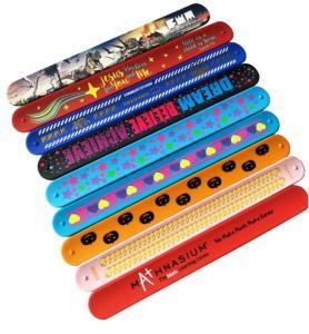 China Bulk Silicone Rubber Bracelets Logo Printable Debossed Silk Printing on sale