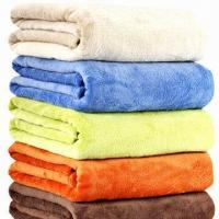 Solid Coral Fleece Blankets, Weighs 220 to 380gsm Manufactures
