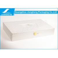 Rose Texture Paper Silver Cosmetic Packaging Boxes With Gold Lock BV Certification