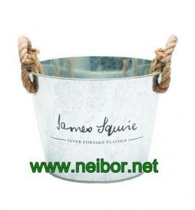 China OEM order Vintage,Retro,Antique metal beer bucket beer cooler ice bucket with rope handle on sale