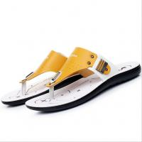 Handmade Mens Leather Slipper Shoes , Round Toe Mens Beach Flip Flops Manufactures
