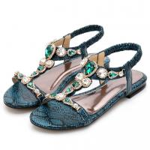 Soft Beach Flat Sandals Wear Resistant , Crystal Bohemia Flip Flops For Women Manufactures