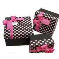 China Recycled Round Cardboard Comestics Gift Boxes Packaging with Printed Logo Ribbons on sale