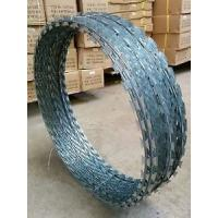 Silver Blue Green High Tensile Concertina Wire Fencing , Razor Blade Wire Fence Manufactures
