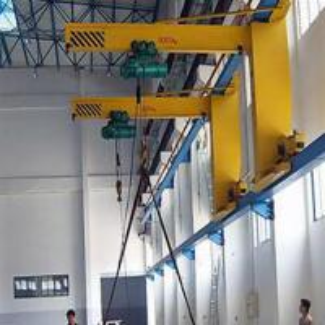 China Motorized Jib Hoist Crane With Cabin Pendant Remote Control 0 - 360 Degree on sale