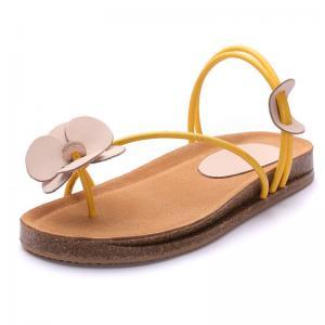 China S067 Sandals women 2020 summer leather shrink buckle retro handmade three-dimensional flowers flat bottom female sandals on sale