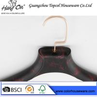 Quality rose gold metal hook plastic hanger imitate wood hanger for sale