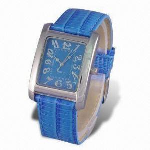 China Fashionable Quartz Analog Watch with Genuine Leather Strap on sale