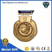 China Zinc alloy die cast metal medals and trophies on sale