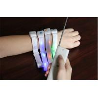 Wireless Remote Controlled LED Light Up Bracelet With Battery Inside For Night Party Manufactures