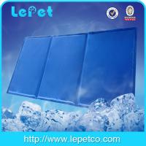 Re-usable Gel+Sponge pet cooling mat/dog cool mat Manufactures