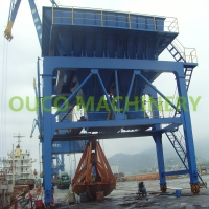 Regular Rail Move 750TPH Capacity Rail Mounted Port Hopper Manufactures