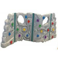 Anti UV Outdoor Plastic Climbing Wall Good Slip Resistance For 1-3 People Manufactures
