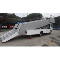 Diesel Aircraft Passenger Stairs Commercial Chassis With ISUZU Engine