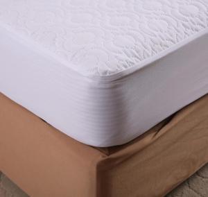 China Waterproof Microfiber Memory Foam Mattress Protector Heat Pressing Pattern King Size on sale